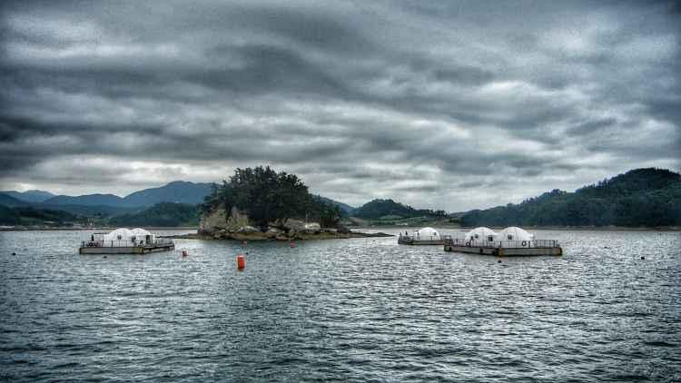 floating sea house korea