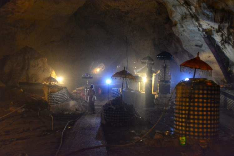 Cave temple Nusa Penida