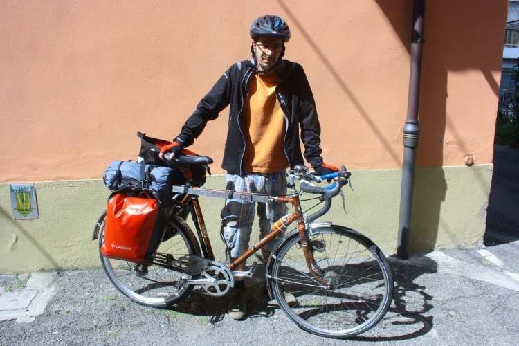 how to build cheap touring bicycle