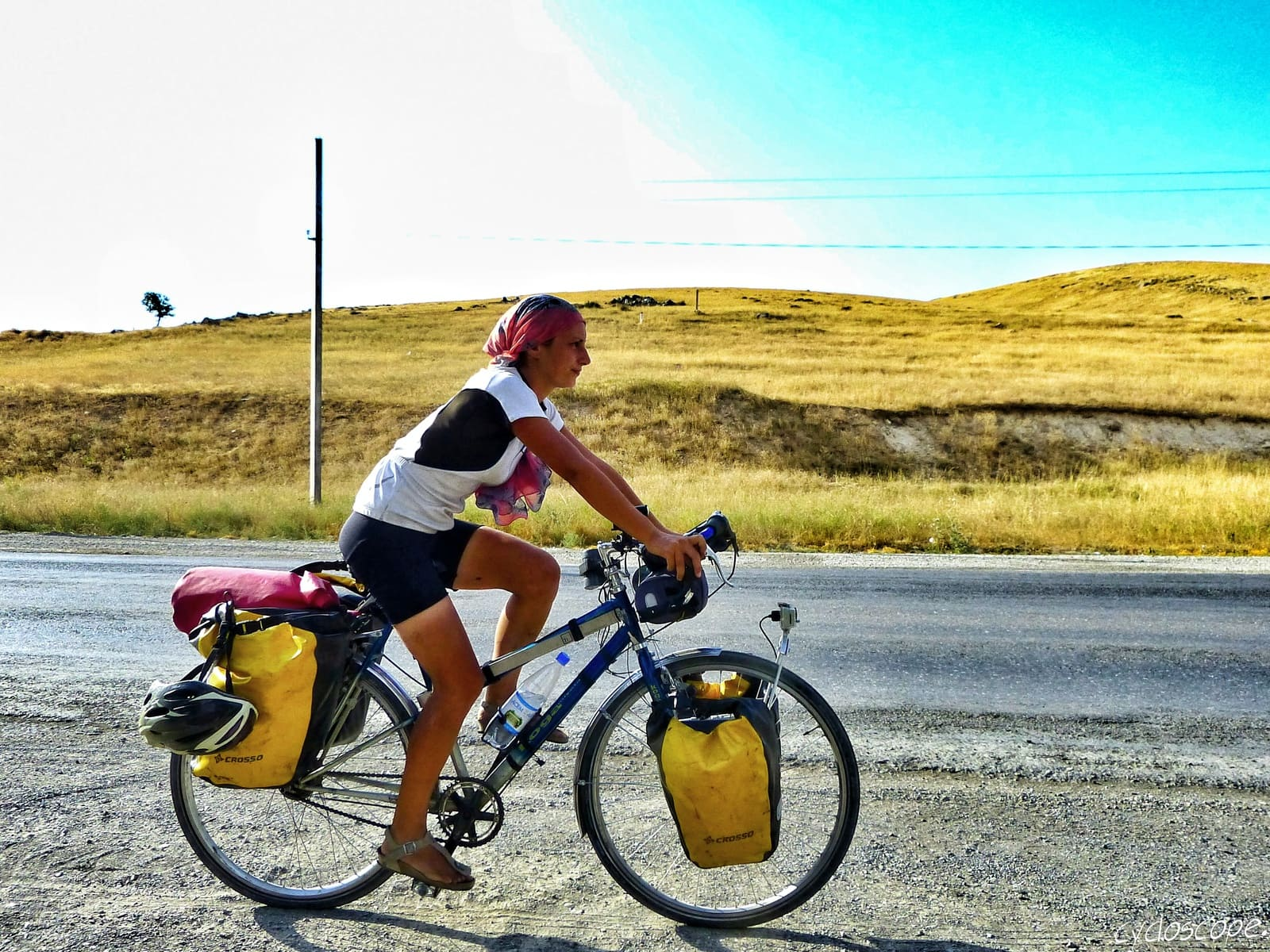 How to Travel by Bicycle: a Beginners' Guide to Start Bike Touring