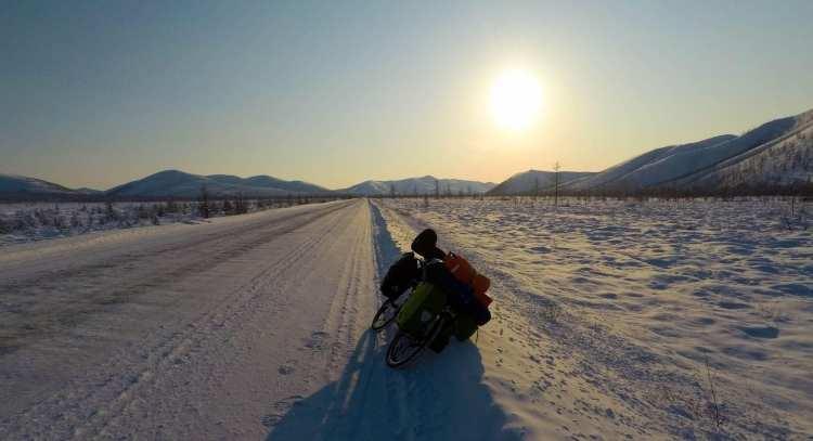 Viaggio in Siberia d'inverno: pedalando nel gelo con Dino Lanzaretti 9