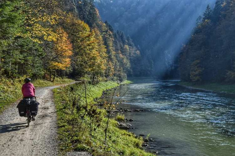 dunajec river gorge cycling