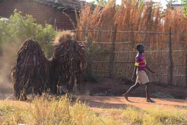 Gule Wamkulu, la danza sacra e le maschere del popolo Chewa, Malawi 13