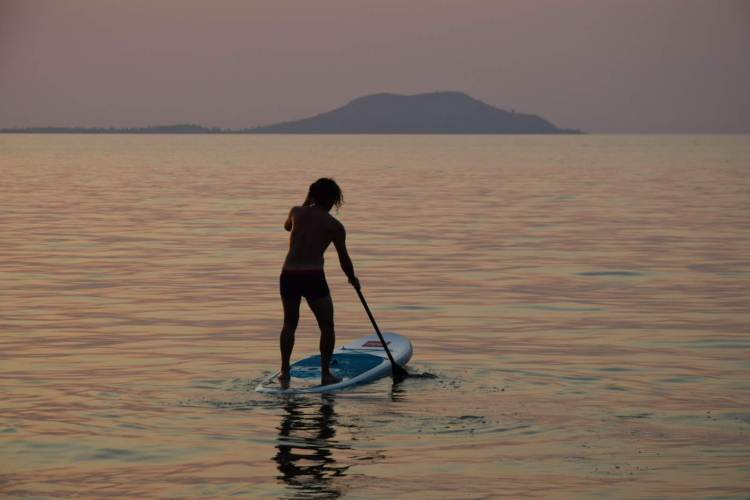 Cape Maclear Kayaking SUP