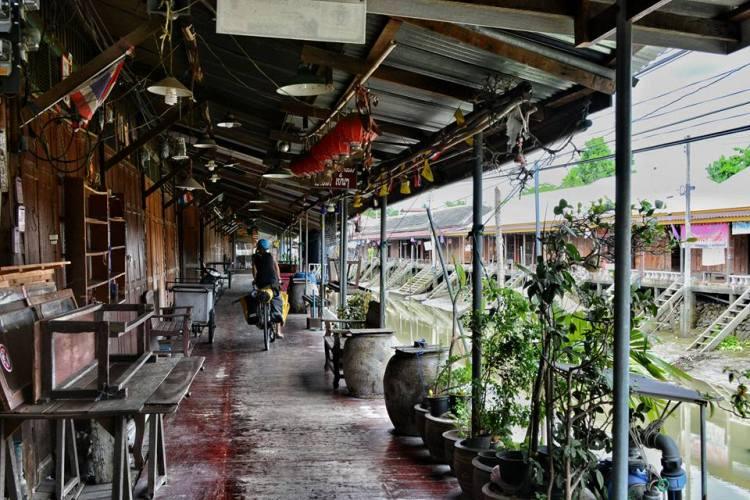 Cycling bangkok Amphawa Floating Market