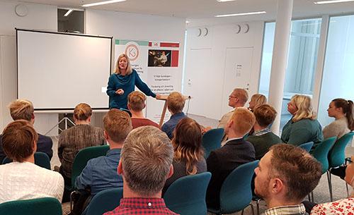 Anna Niska presenterar Cykelcentrum på workshop Cykel och kollektivtrafik 2018-09-11
