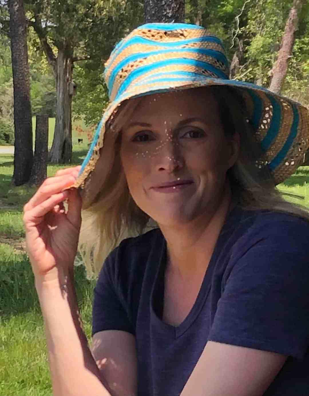Headshot of Sandi Ohleger