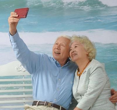 older-couple-square