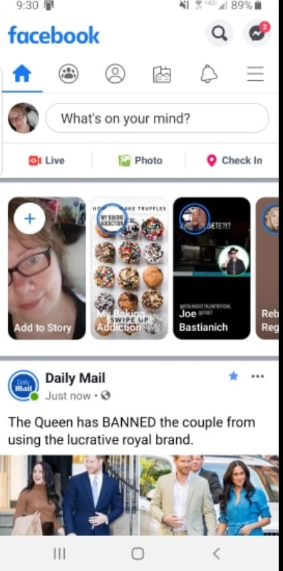 facebook-feed-on-phone