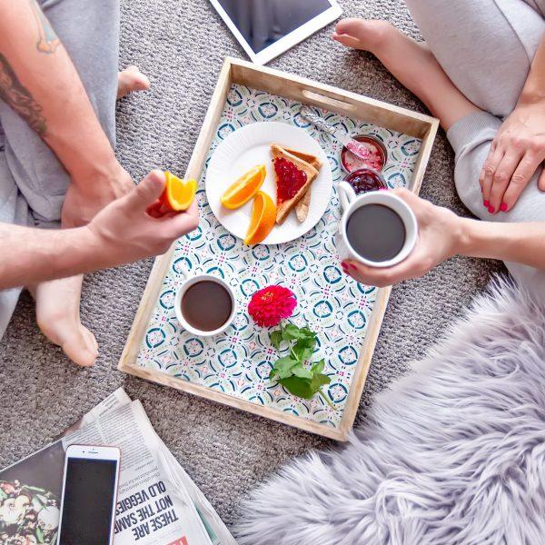 10 Cute Date Ideas That Won't Break the Bank