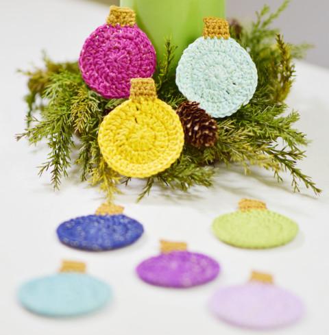 Crochet Christmas tree bulb free pattern