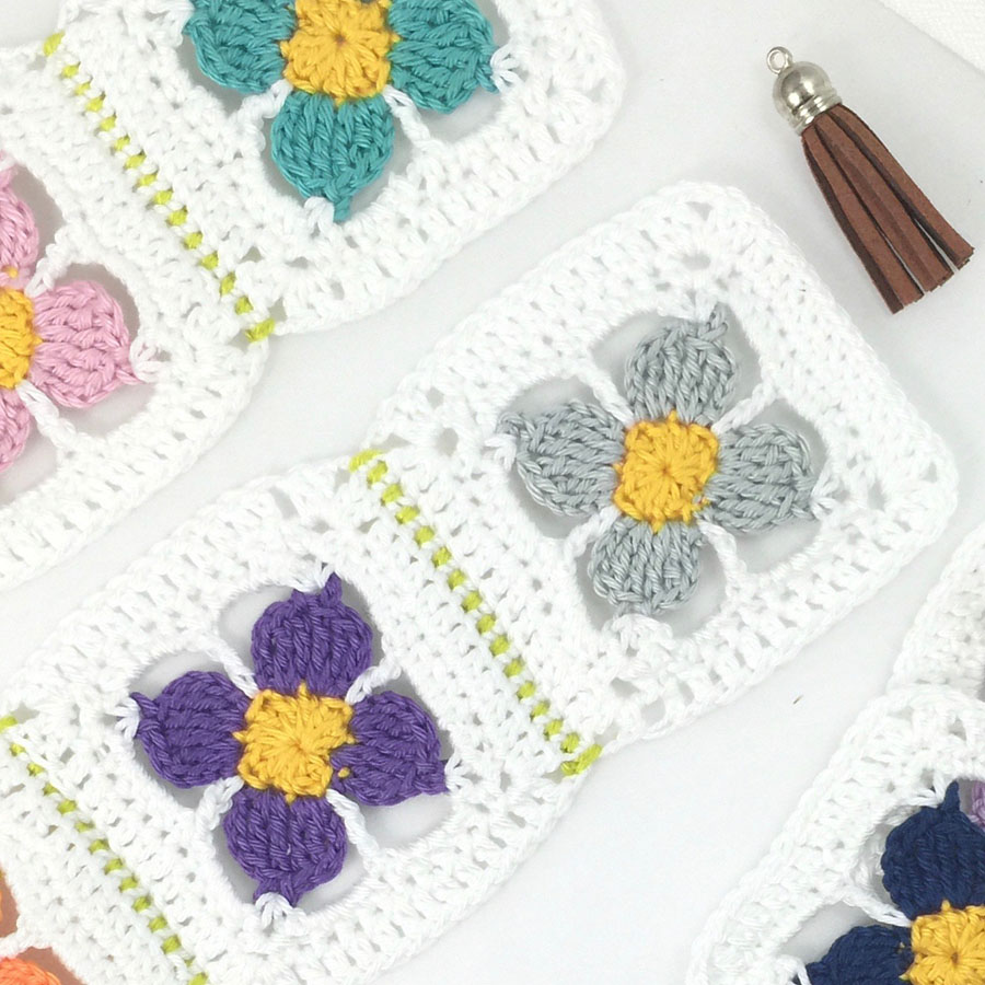 DIY Crochet Zipper Art Bag