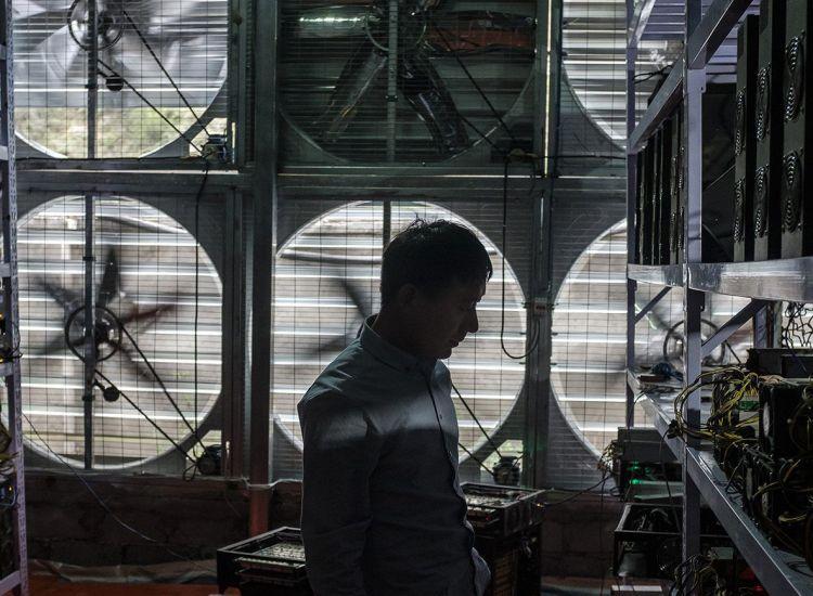 Mineros chinos apuestan a mercado bajista en Bitcoin (BTC) para mantener ganancias
