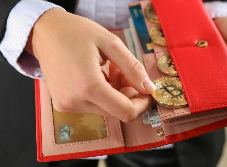 Encuesta: 70% de dueños de criptomonedas raramente usan sus activos digitales para pagos