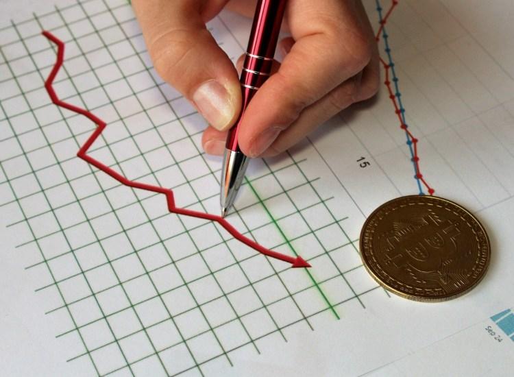 Ross Ulbricht de Silk Road predice que el precio de Bitcoin (BTC) estará por debajo de los 3,000 dólares