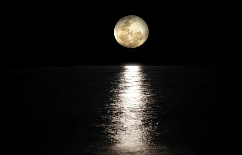 Dziś jest Pełnia Księżyca Jesiotrów