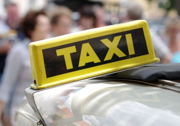 Taksówkarze do szkół!