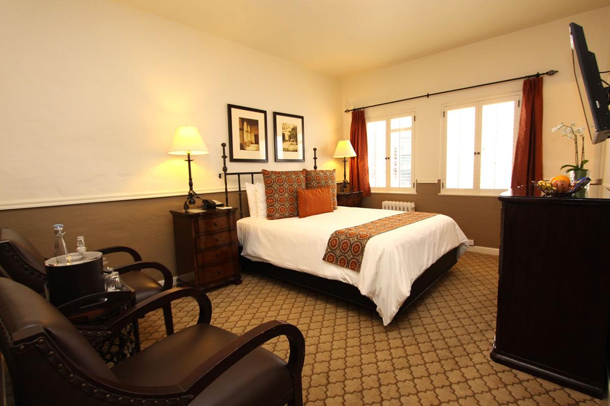 Carmel Hotel Rooms  Rates  Cypress Inn  Carmel by the