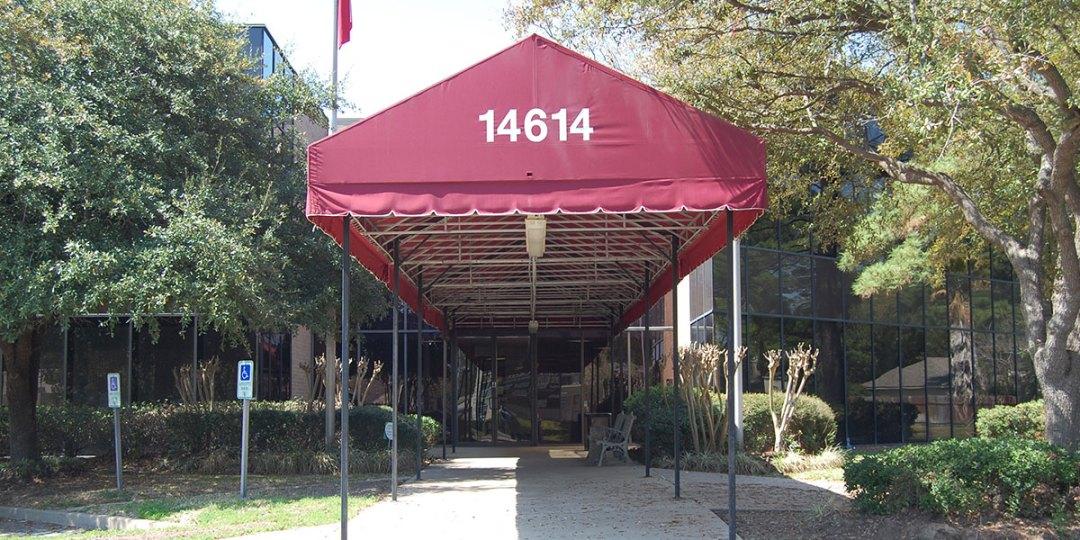 14614-Falling-Creek-Building-entranced