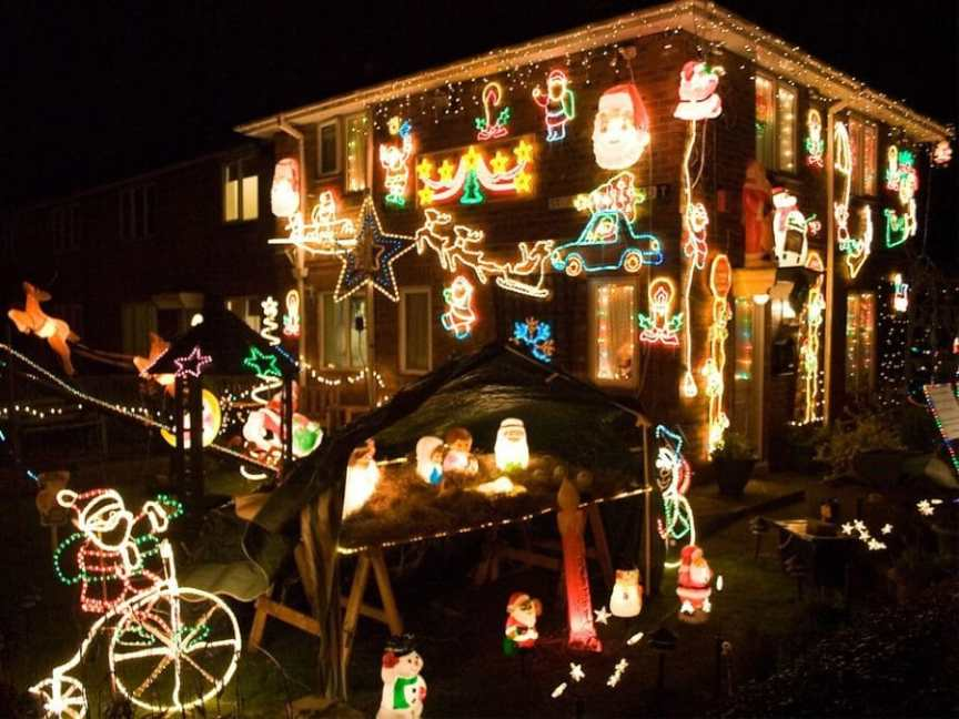christmas lights require lots of outdoor outlets