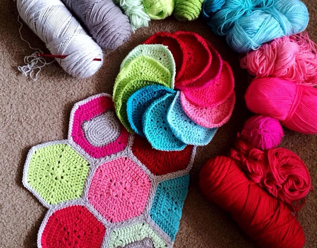 Kitty Hexagon Blanket: Free Pattern
