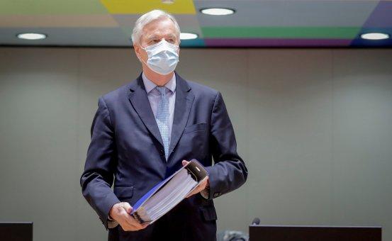 Ο διαπραγματευτής της ΕΕ για το Brexit Barnier, που ρωτήθηκε για το μέλλον, λέει ότι θέλει να υπηρετήσει τη Γαλλία