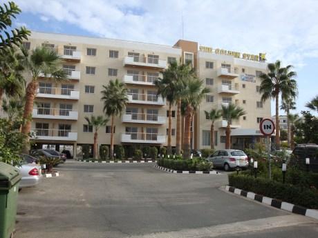 Golden Star Apartments