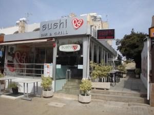 Sushi La Bar & Grill