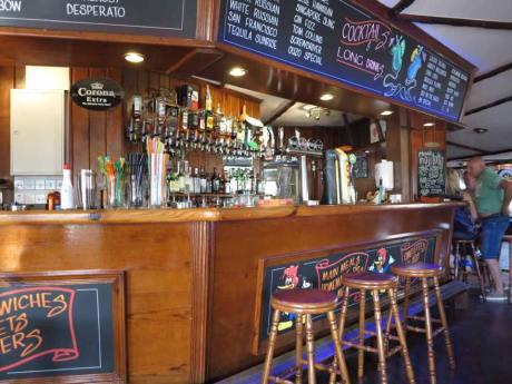 Woody's Inn Pub