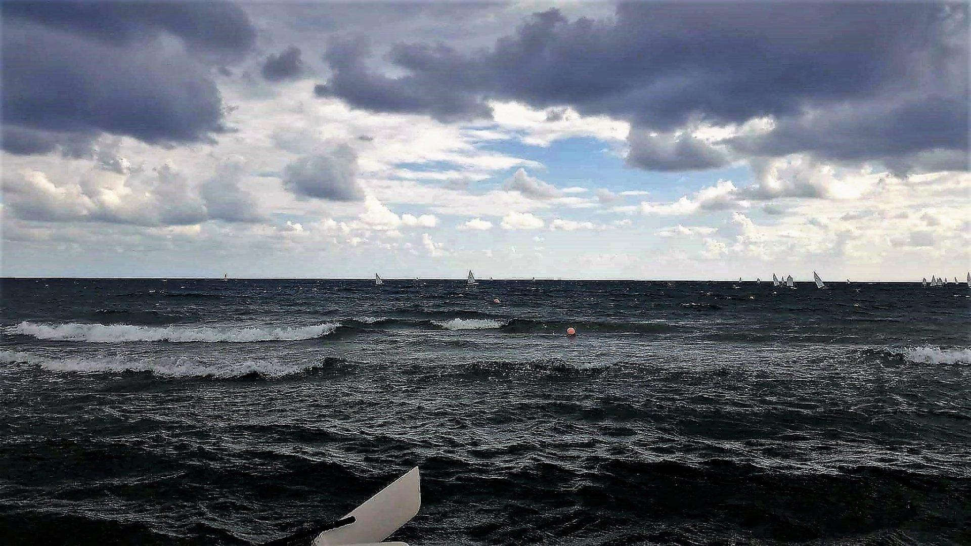 Ο αγώνας των ιστιοπλόων είναι στην θάλασσα