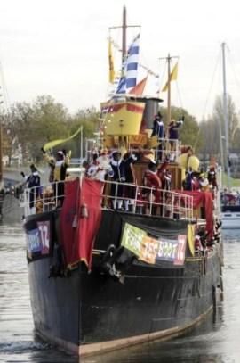 Sinterklaas arriving on his boat