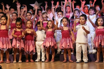 So many happy dancers