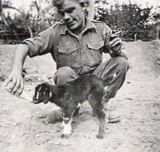 Bill Aylesbury feeding Fingers 1958