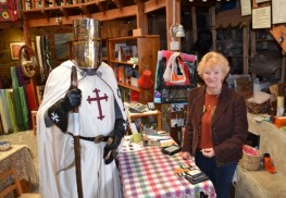KT meets Linda Smith at The Old Round Tower