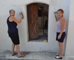 Paula and Incilay lend a hand (before)