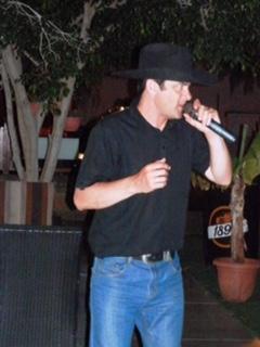 Devon sings