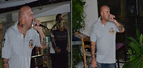 Col sings
