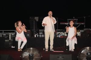 Candan Erçetin and Kardeş Türküler concert (1)