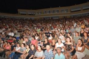 Candan Erçetin and Kardeş Türküler concert (4)