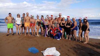 AcapulcoBeach Christas Day swim (3)