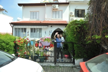 April 23 Music enjoyed by Girne residents from their Balconies (17)
