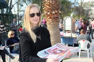 Yuliya takes Russian Observer to Baris Park