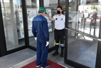 Covid-19 measures being taken in Girne Municipality city hall (7)