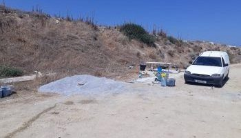 Girne Municipaklity removed caravan (2)