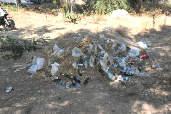 Girne Municipality clean the Ciklos area (3)