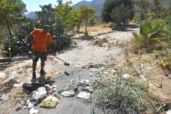 Girne Municipality clean the Ciklos area (6)