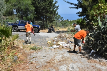 Girne Municipality clean the Ciklos area (8)