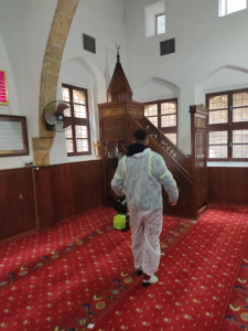 Mosques in Girne disinfected against COVID-19 before Ramadan (2)