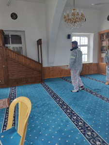 Mosques in Girne disinfected against COVID-19 before Ramadan (3)