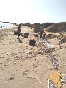 TRNC Environmental Protection Department initiated beach cleaning (4)